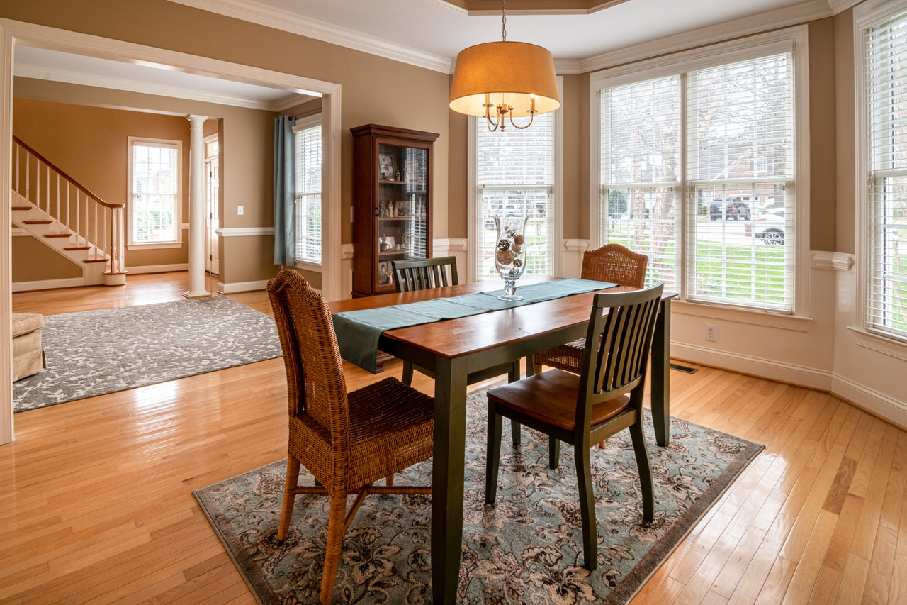 photo-of-wooden-table-on-top-of-carpet-3935326